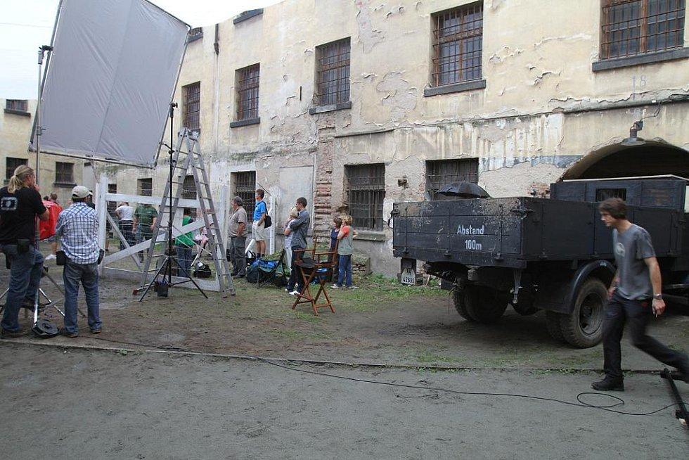 Z natáčení filmu Lidice.