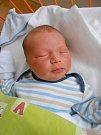 Dominik Vrla se narodil 16. dubna, vážil 3,48 kg a měřil 49 cm. S maminkou Lucií a tatínkem Danielem bude bydlet v Kosořicích.