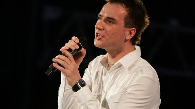 Zpěvák Filip Šubr.