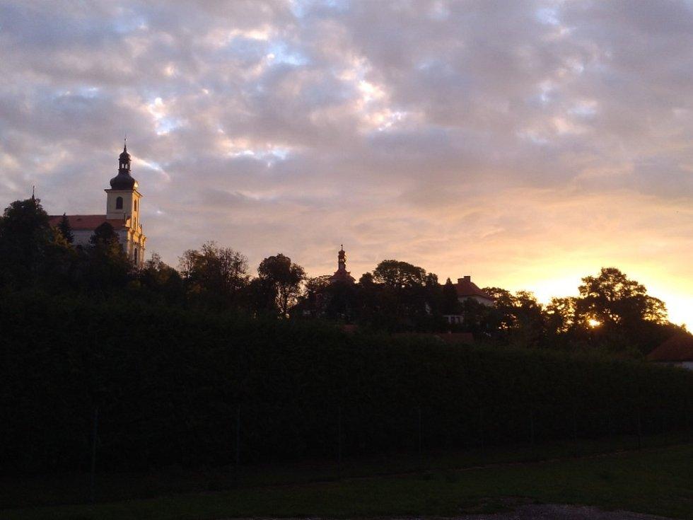 Kostel sv. Mikuláše v Horkách nad Jizerou.
