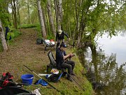 Již tradiční rybářské závody profesionálů, ale i amatérů se konaly v sobotu na bývalé štěrkopískovně ve Veselé u Mnichova Hradiště.