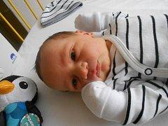 MAXIM Kalina se narodil 13. dubna mamince Janě a tatínkovi Jindřichovi z Mladé Boleslavi. Vážil 3,61 kilogramů a měřil 51 centimetrů.