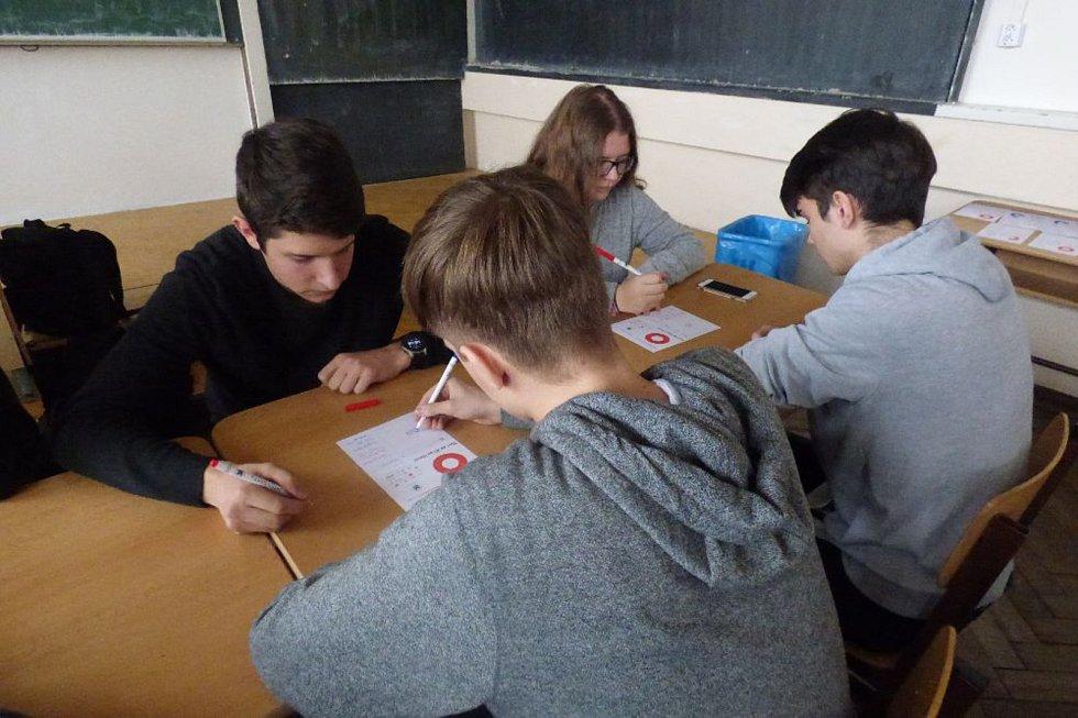 Na SPŠ v Mladé Boleslavi se odehrál turnaj v piškvorkách