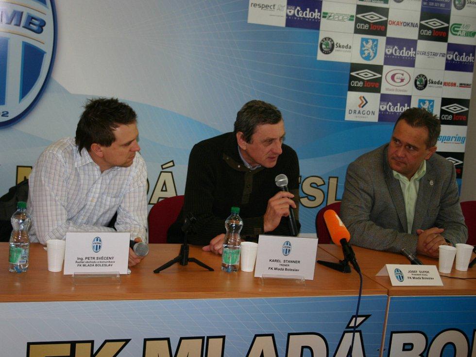 Nový trenér Karel Stanner.