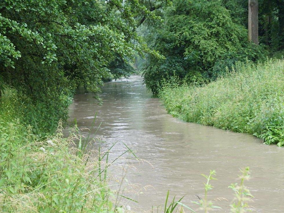 Voda nenechává Mladoboleslavské v klidu.