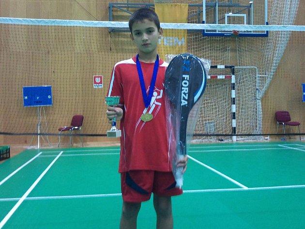 Benátecký badmintonista Cristian Savin se mohl pyšnit svým prvenstvím v mezinárodním turnaji mládeže ve Slovinsku