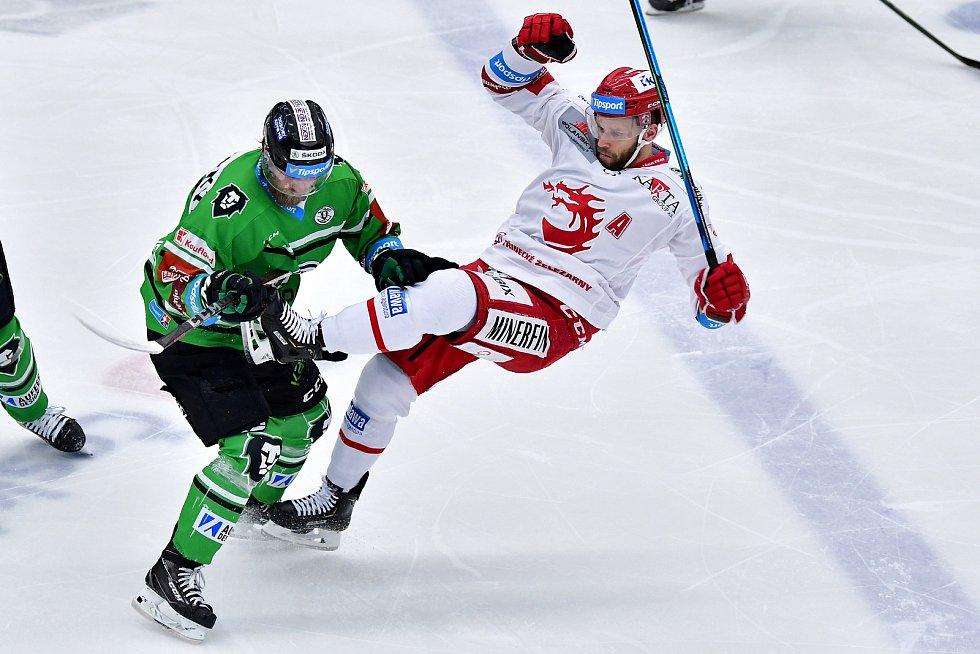 Hokejisté Mladé Boleslavi srovnali semifinálovou sérii na 2:2. Třinec porazili 3:1.