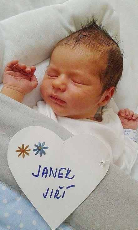 Jiří Janek se narodil 3. dubna, vážil 3,66 kg a měřil 52 cm. S maminkou Monikou a tatínkem Jiřím bude bydlet v Čejeticích.