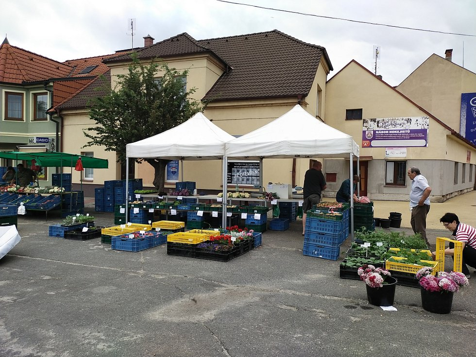 Farmářské trhy v Benátkách nad Jizerou.