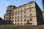 Budova věznice v Mladé Boleslavi sloužila svému účelu do 50. let 20. století. Nyní ji využívají hlavně filmaři. Hrála i ve snímku Šarlatán.