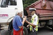 Policisté rozdávali spolehlivým řidičům pivo
