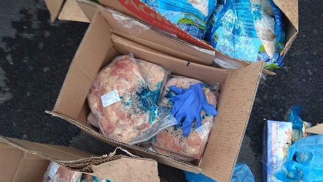 Zásilka masa pro restauraci putovala z dálnice do kafilerie