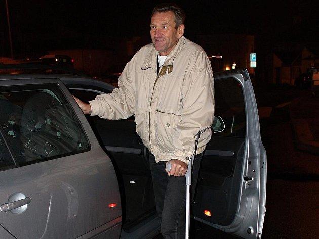 Exprimátor Svatopluk Kvaizar si přivodil nepříjemné zranění kotníku.