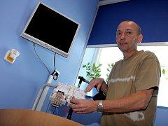 Lékaři mají k dispozici MiniScreen, tedy přístroj, který usnadní vyšetření lidí, jež s chrápáním zatím marně bojují.