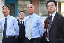 Čínská delegace při prohlídce Klaudiánovy nemocnice v Mladé Boleslavi