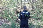 Psa nechali svému osudu, zachránili ho policisté