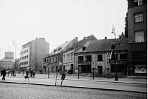 Náměstí Míru. Demolice před zahájením výstavby panelových domů, snímek pochází z roku 1966.