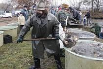 Výlov rybníka Vorlík v Dlouhé Lhotě 2012