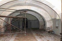 MĚSTO od letošního roku rekonstruuje bývalou konírnu v areálu zámku. Čemu bude historický prostor sloužit radnice zatím neví. Několik návrhů už ale zaznělo