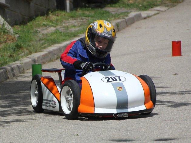 Filip Schieber si připsal body za vítězství v sobotním závodě