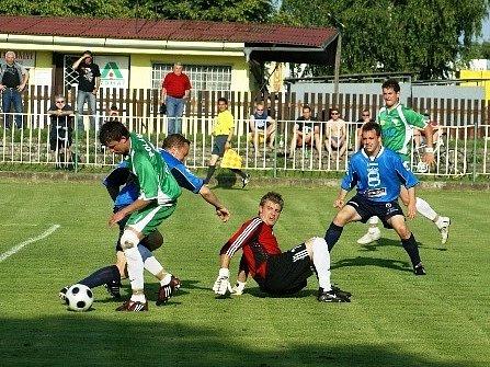 Krajský přebor: Polaban Nymburk - FK Dobrovice