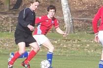 Bakovský mladý fotbalista Lukáš Hammer (vlevo) byl autorem jedné z branek svého týmu.