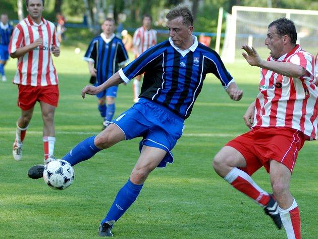Kosořičtí fotbalisté jsou po prohře se Sokolčí opět blíže sestupuvé propasti.