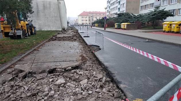 Oprava Jiráskovy ulice v Mladé Boleslavi by měla být hotová do 18. prosince 2018.