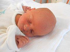 LUKÁŠ Klika se narodil 11. prosince. Vážil 2,66 kg a měřil 48 cm. S maminkou Martinou a tatínkem Lukášem bude bydlet v Kosořicích.