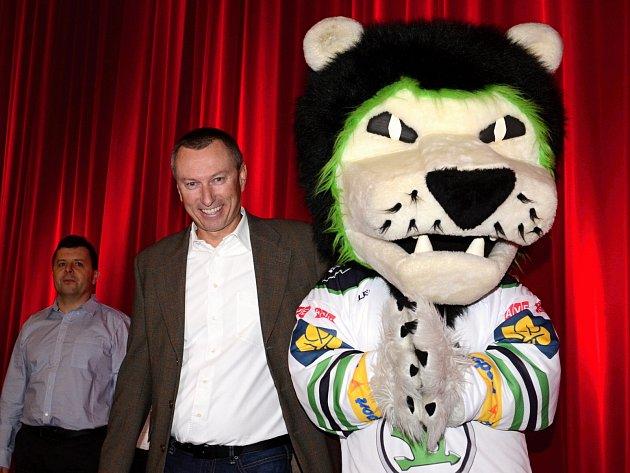 Společnost Dragon Internet, Cinestar a BK Mladá Boleslav připravili dětem z dětských domovů zážitkové dopoledne.