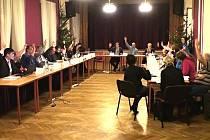 Zasedání zastupitelstva Mnichova Hradiště.