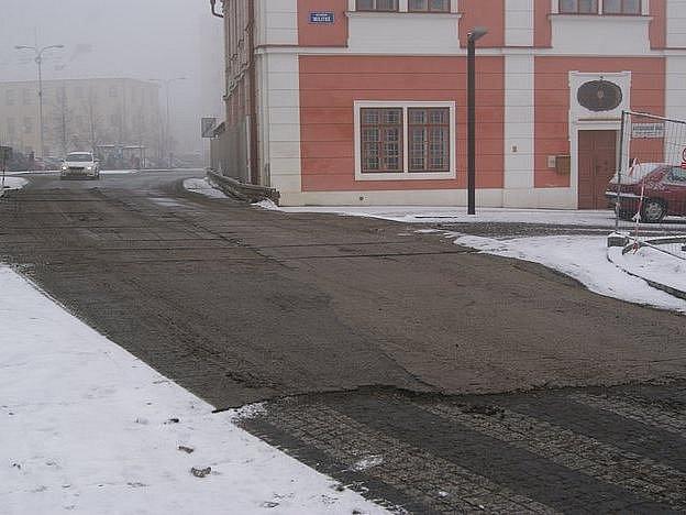 Panely na začátku Staroměstského náměstí v Mladé Boleslavi budou konečně pryč.