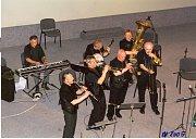 Kapela Hot Club oslaví 45. narozeniny. Na jubilejním koncertu Hot Clubu zahraje i Steamboat Stompers.
