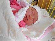 Ema Darmošová se narodila 6. listopadu, vážila 3,97 kg a měřila 51 cm. S maminkou Michaelou a tatínkem Jaroslavem bude bydlet v Dobrovici, kde už se na ni těší bráška Jára.