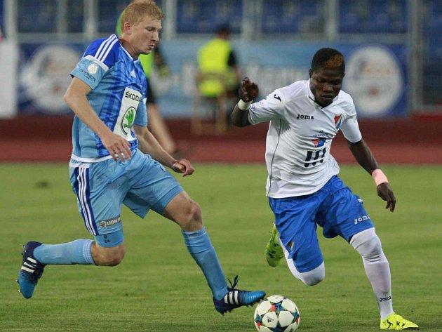 FANOUŠCI fotbalového Baníku zřejmě neunesli prohru s Mladou Boleslaví a řádili nejen na stadionu.