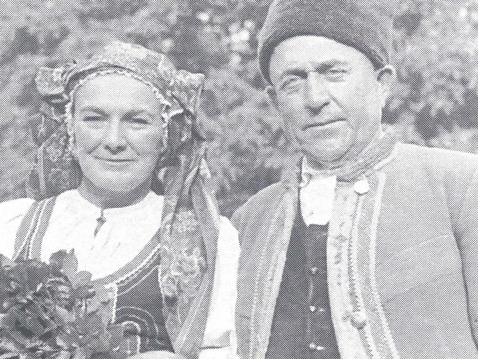 Rodák obce KAREL ŠULC po boku Jiřiny Štěpničkové