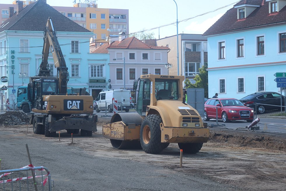 Oprava náměstí v Mnichově Hradišti