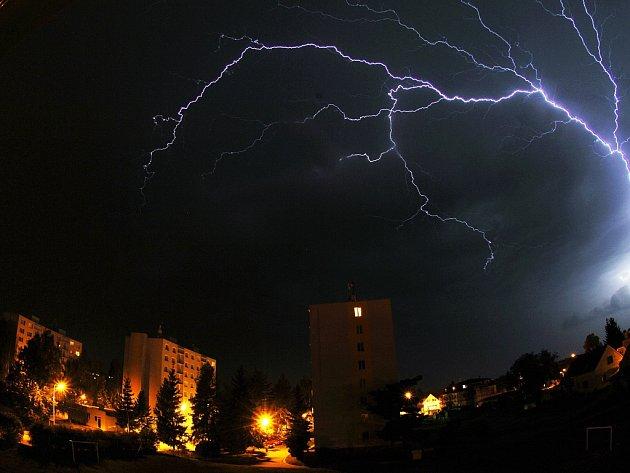 Bouřky řádily v noci i ráno také na Mladoboleslavsku.