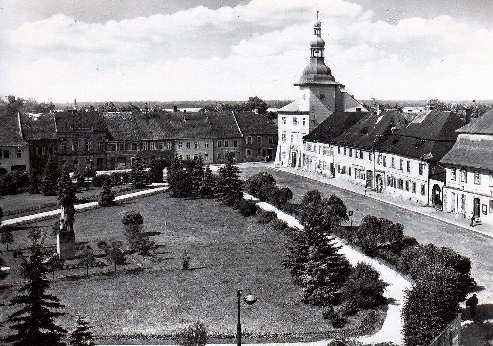Historické pohledy města Nového Bezdězu (Bělé pod Bezdězem)