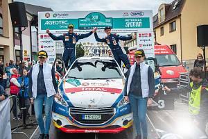 Čtyřicátý čtvrtý ročník populárního závodu Rally Bohemia startuje již dnes.