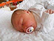 Rozálie Procházková se narodila 20. května, vážila 4,01 kg a měřila 52 cm. S maminkou Adrianou a tatínkem Petrem bude bydlet v Mladé Boleslavi, kde už se na ni těší bráška Nikolas.
