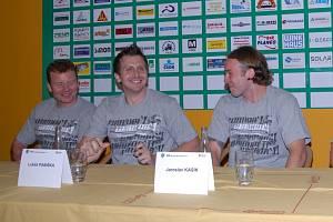 BK Mladá Boleslav: zleva Michal Sup, Lukáš Pabiška, Jaroslav Kasík