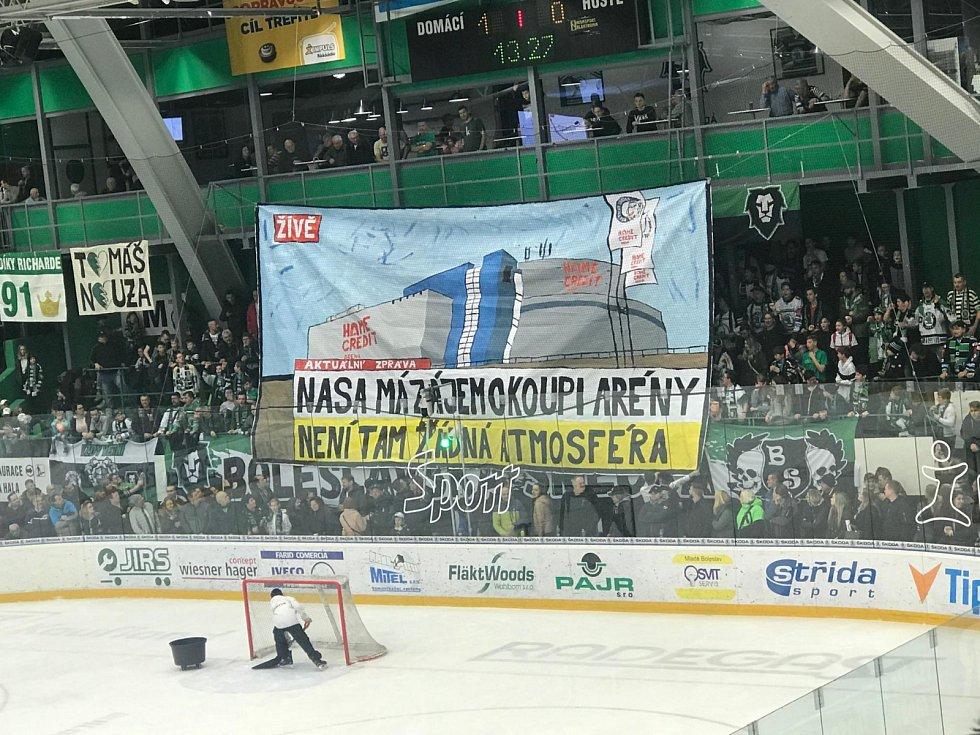 Choreo fanoušků Mladé Boleslavi při zápase s Libercem