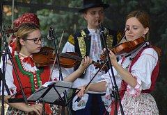Bakov nad Jizerou patřil v sobotu folkloru. Již po sedmé se tu totiž konal Pojizerský folklorní festival, který opět přilákal tisíce návštěvníků.