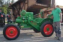 Historické traktory na výstavě v Kropáčově Vrutici