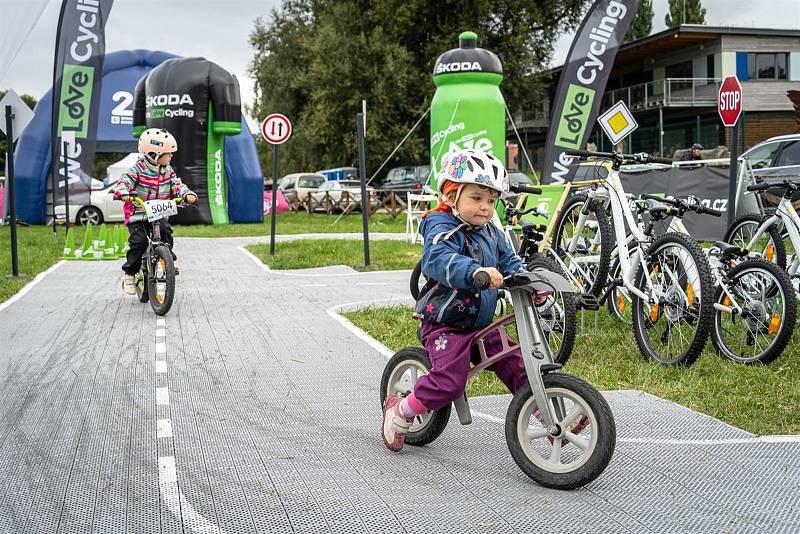 Z cyklistického seriálu pro veřejnost 'Kolo pro život' na Krásné louce v Mladé Boleslavi.