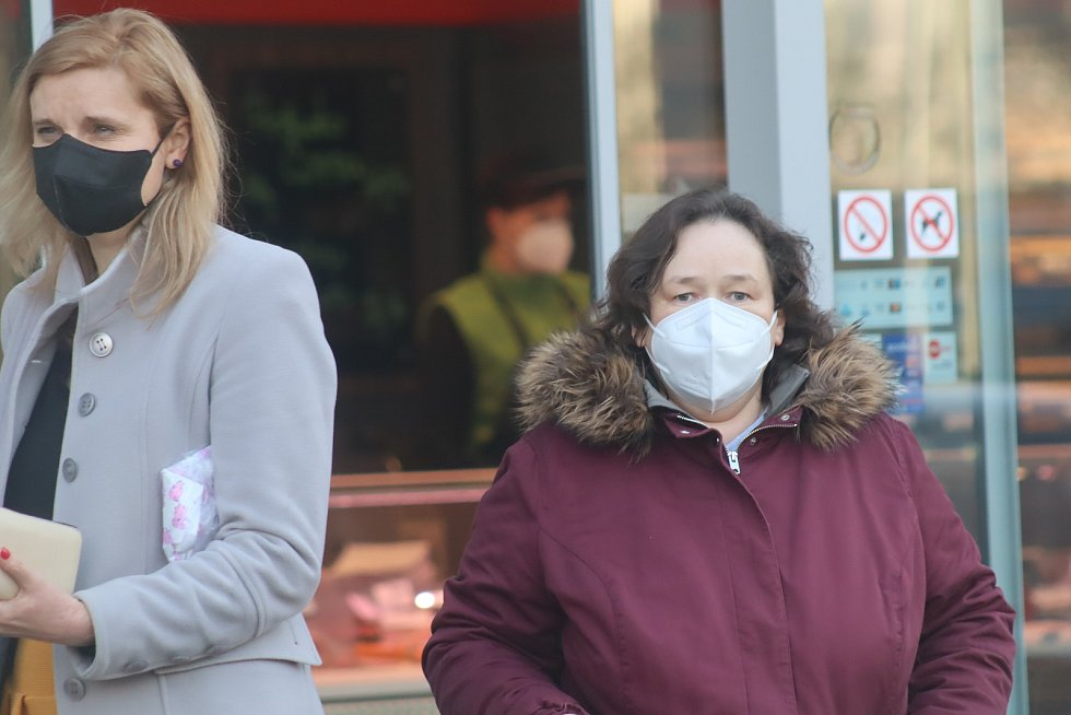 Povinné nošení respirátorů na veřejných místech či v obchodech v Mladé Boleslavi.