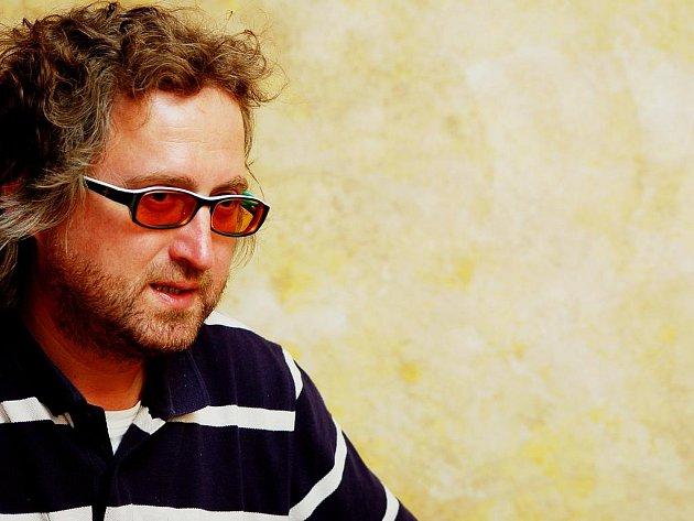 Jan Hřebejk je režisérem filmu Kawasakiho růže.