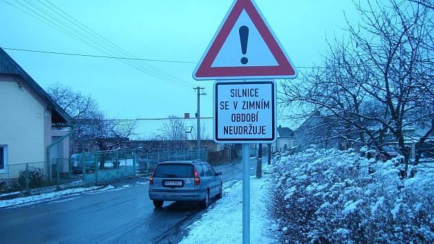 Silničáři tuto zimu spojnici Zdětína a Dražic nenavštíví.