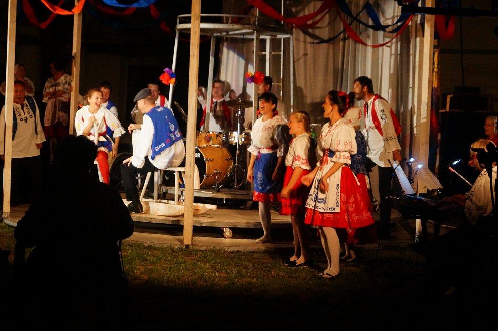 Představení Prodaná nevěsta v podání Spolku divadelních ochotníků Alois Jirásek.